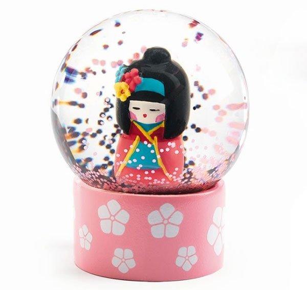 Djeco Mini Schneekugel So Sweet Geisha